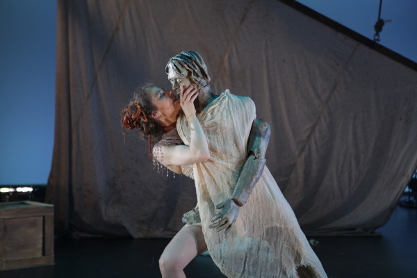 Diffusion de La Petite sirène dans le cadre du mémoire-création à l'École supérieure de théâtre de l'UQAM en 2014. Crédit: Marc-André Goulet.